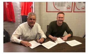 ooms-tekent-contract linschoten